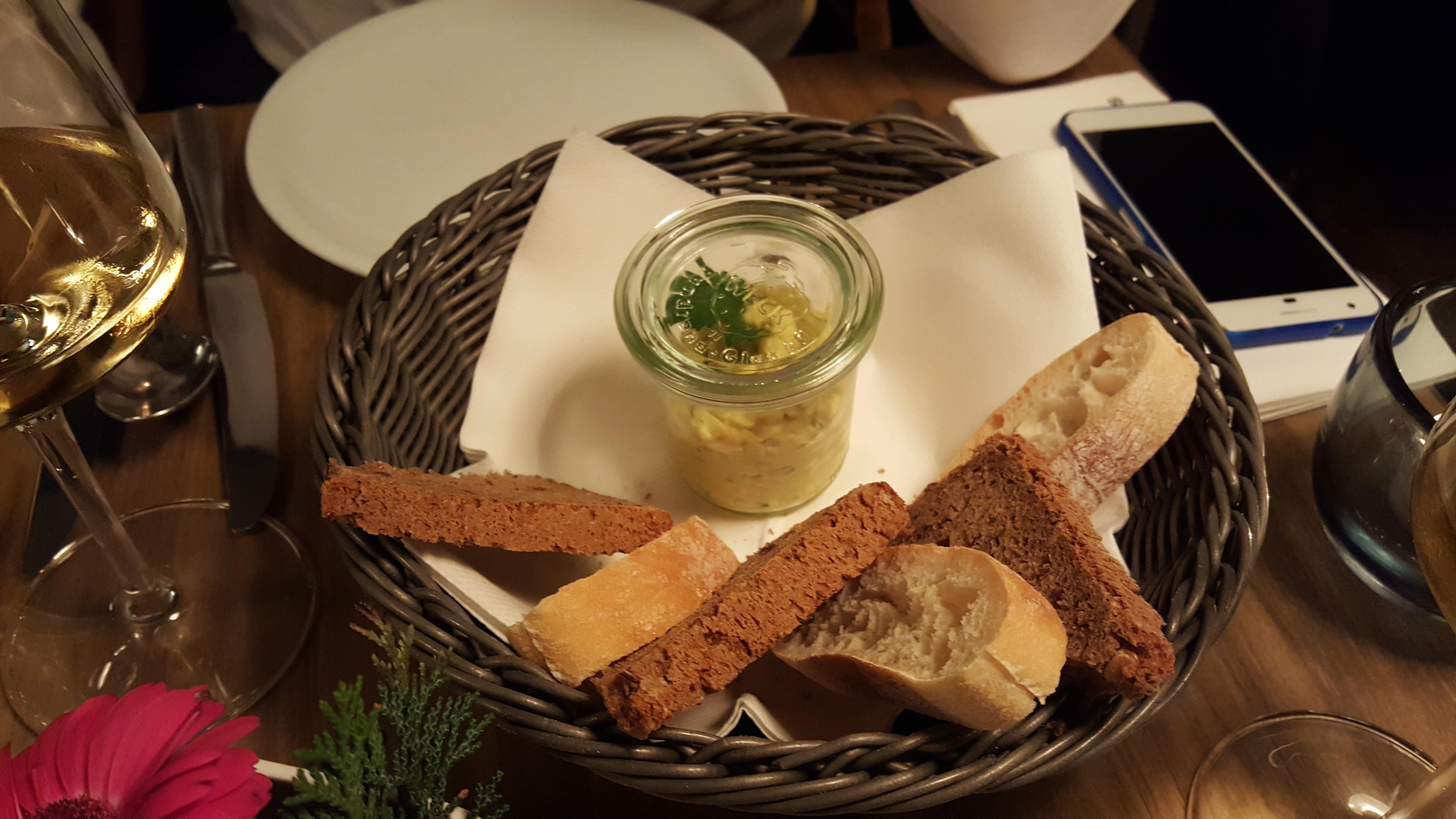 kopps veganes restaurant in berlin vegetarisch essen gehen. Black Bedroom Furniture Sets. Home Design Ideas