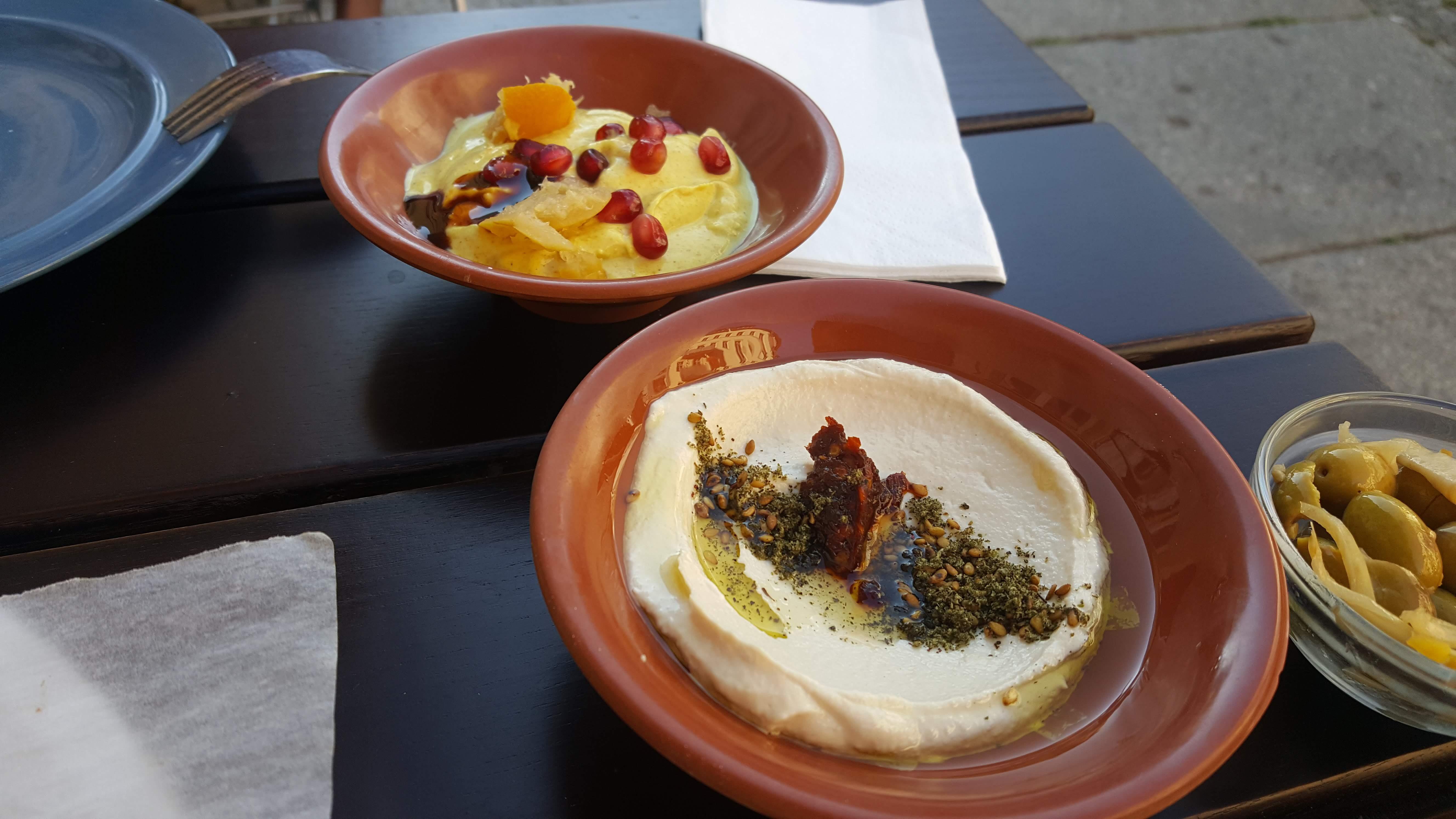 Tahina und Joghurtdip, Yafo, Berlin