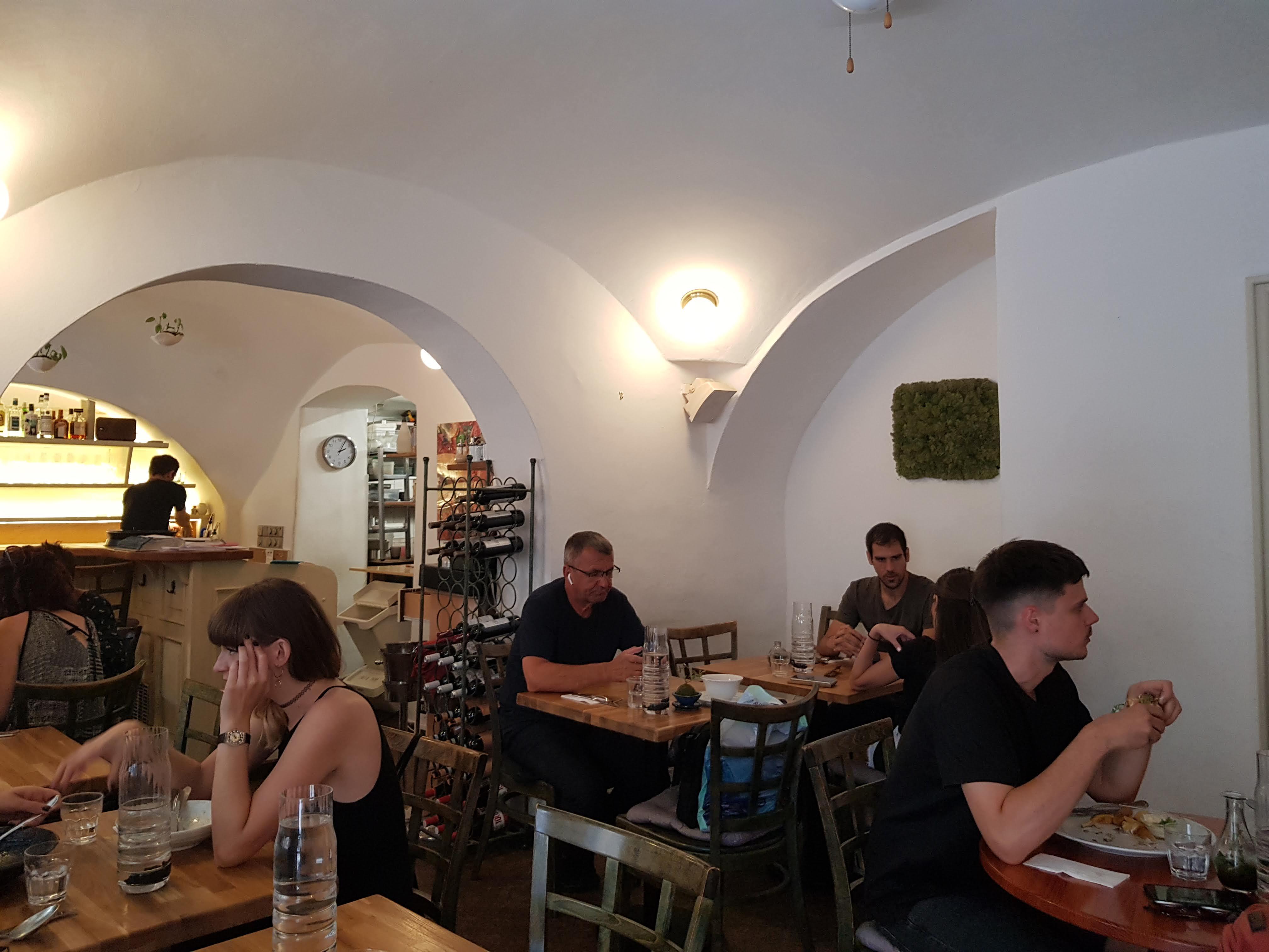 Innenansicht, Estrella, Prag