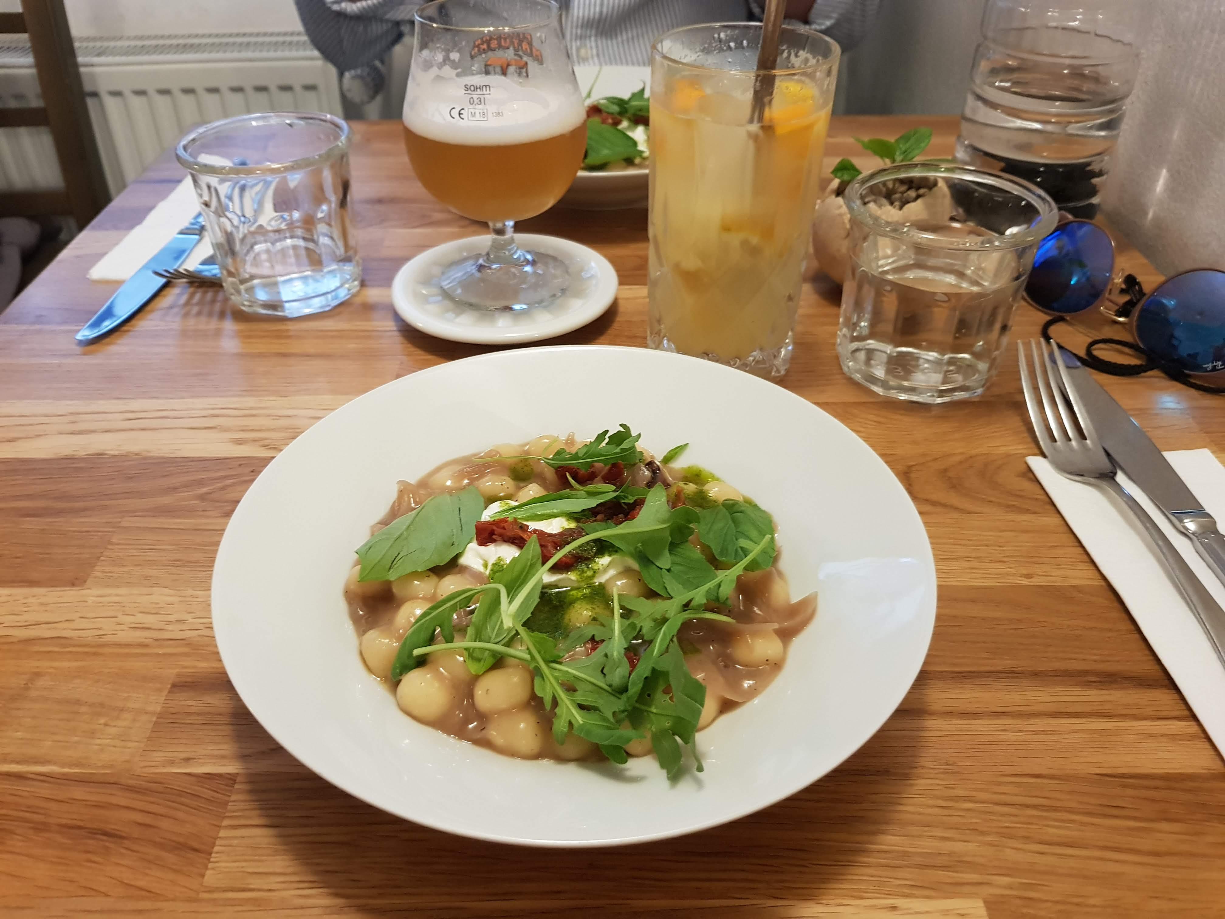Tagesgericht, Estrella, Prag